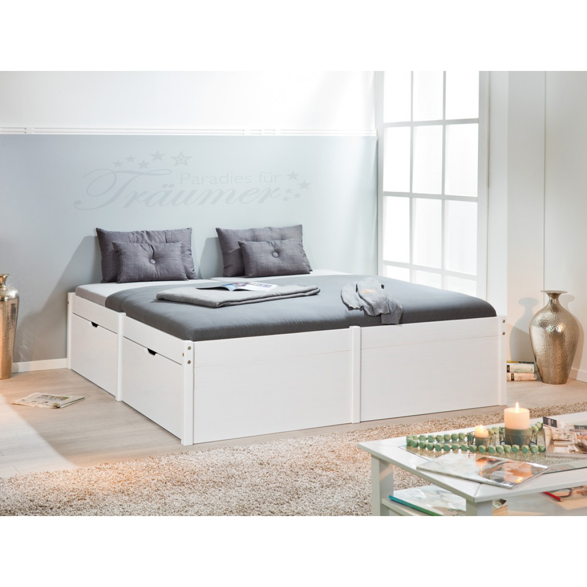 https://www.collyshop.it/media/catalog/product/cache/1/image/1200x1200/9df78eab33525d08d6e5fb8d27136e95/l/e/letto-matrimoniale-con-cassetti-in-legno-massello-bianco-moderno-2_1.jpg