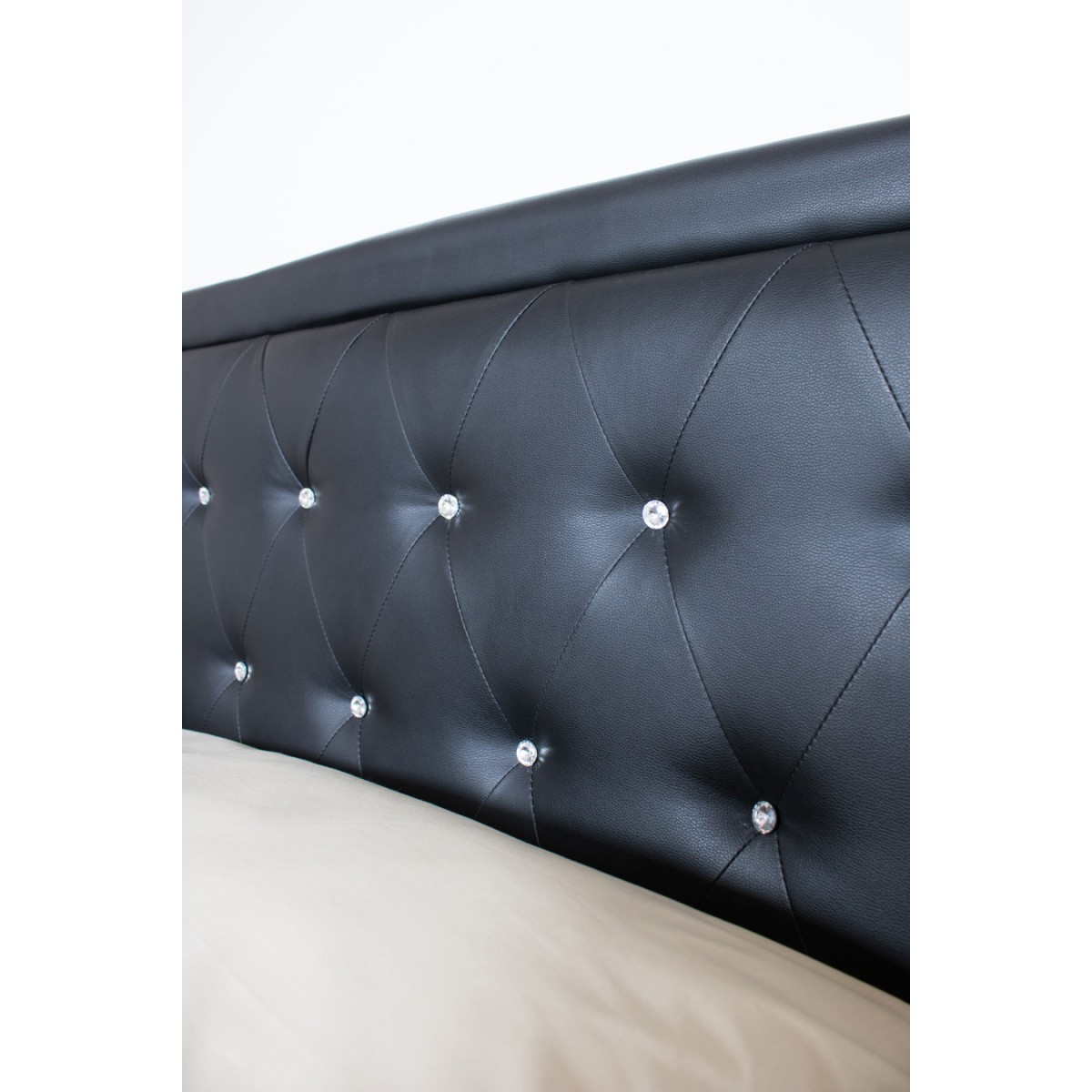 https://www.collyshop.it/media/catalog/product/cache/1/image/1200x1200/9df78eab33525d08d6e5fb8d27136e95/l/e/letto-william-testiera-nero2.jpg