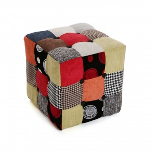 pouf cubo in tessuto patchwork